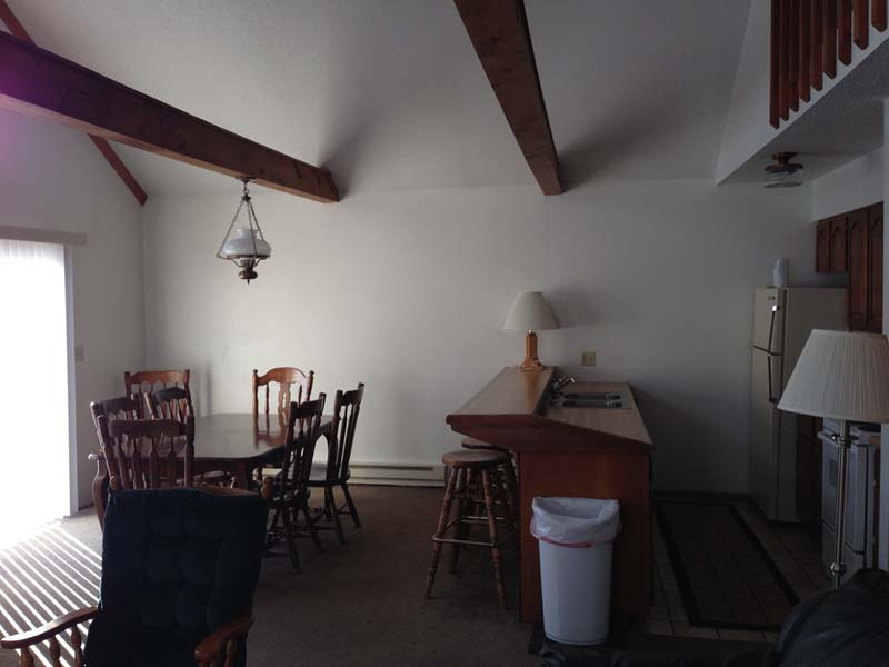 Indianhead Valley Kitchen and Dining room with vaulted ceilings